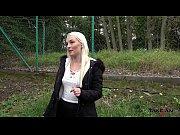 Секс в позе наездницы с блондинкой видео