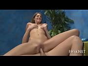 Порно две зрелые и молодой жеребец
