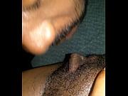 порно чёрную ебут здоровые белые самцы