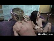 порно фото лесбиянки со страпоном смотреть