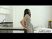 Возбудил на секс тетю пока никого нет дома видео