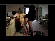 голая зрелая мать с большой грудью трахается видео