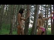 Kacey Barnfield et Angelica Penn dans Lake Placid 3