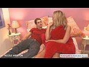 молодая мама глотает сперму сынишке видео
