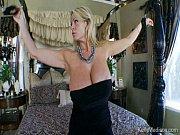 порно видео женщины на необетаемом острове