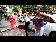 gauri khans boobs exposed in public