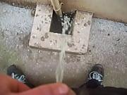 Мастурбация под скрытую камеру в солярии
