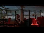 лижит пизду волосатую видео
