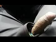 Девушка кончает струиой во время секса ролики смотреть
