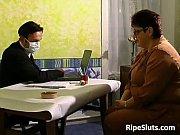 Thai massasje majorstua eldre dame søker yngre menn