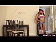 Отлизал двум девушкам видео, проститутку жестко выебали