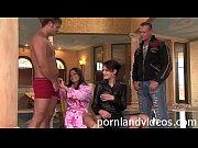 порно трахать мамина жопу