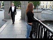 неожиданно кончил на девушку и убежал
