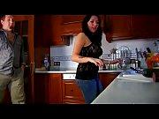 Русское видео порно сын трахает молодую маму