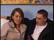 русская мамаша дрочит и делает минет сыну порно смотреть