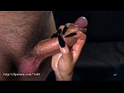 Порно лесби засунула руку в шортв
