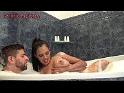 Image sexo na banheira por uma morena gostosa