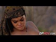 порно трахает дилдо