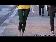 tight ass street teen walking in tights leggings vpl!