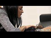 порно видео зрелая мама села пиздой на нос