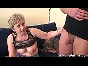 секс онлайн жена дрочит мужу