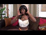 Ebony Ana Foxxx does Tugjob