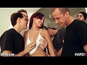 порно в черных шортах