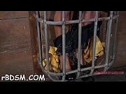Видеокак мужик трогает сиськи у женщины