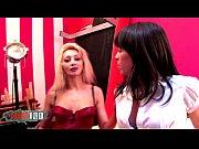 Порно видео двойное проникновение в оду дырку