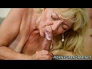 Мама в юбке и сын порно онлайн