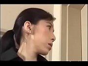 мужчина маструбирует дрочит перед женщинами видео