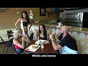 порно скинхеды видео