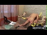 Видео массажист заставил заниматься сексом