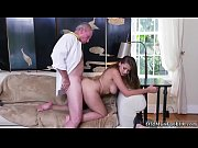 old man fingering and eating pussy when ivy.