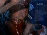 женщина сосет у мужчины видео