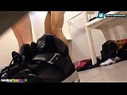 бесплатное порно видео как девушка трахает девушку вибратором
