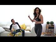 первый раз вставляет в попу жене домашнее видео