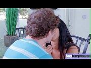 Порно жесткие девушка орет и кончае