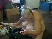 порно фото брюнетке с короткой стрижкой
