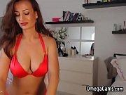fleshy brunette amateur femme fatale