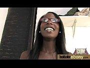 госпожа кормит раба из киски порно видео