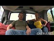Видео голы девушки цылуюца с парнями секс