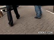 Молоденькая мастурбирует и кончает скрытая камера