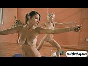 женщина лижет анус мужчине порно
