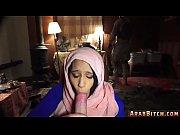 Связанная телочка сосет видео онлайн