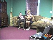 женщина лижет женские ступни смотреть