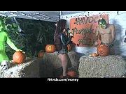 Эротические фото женщины бландинки в черных ласинах