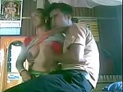 Секретарша мастурбирует трусиками под столом