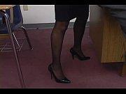 Попки в обтягивающих шортиках и штанах