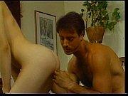 Два парня трахают одну девушку порно